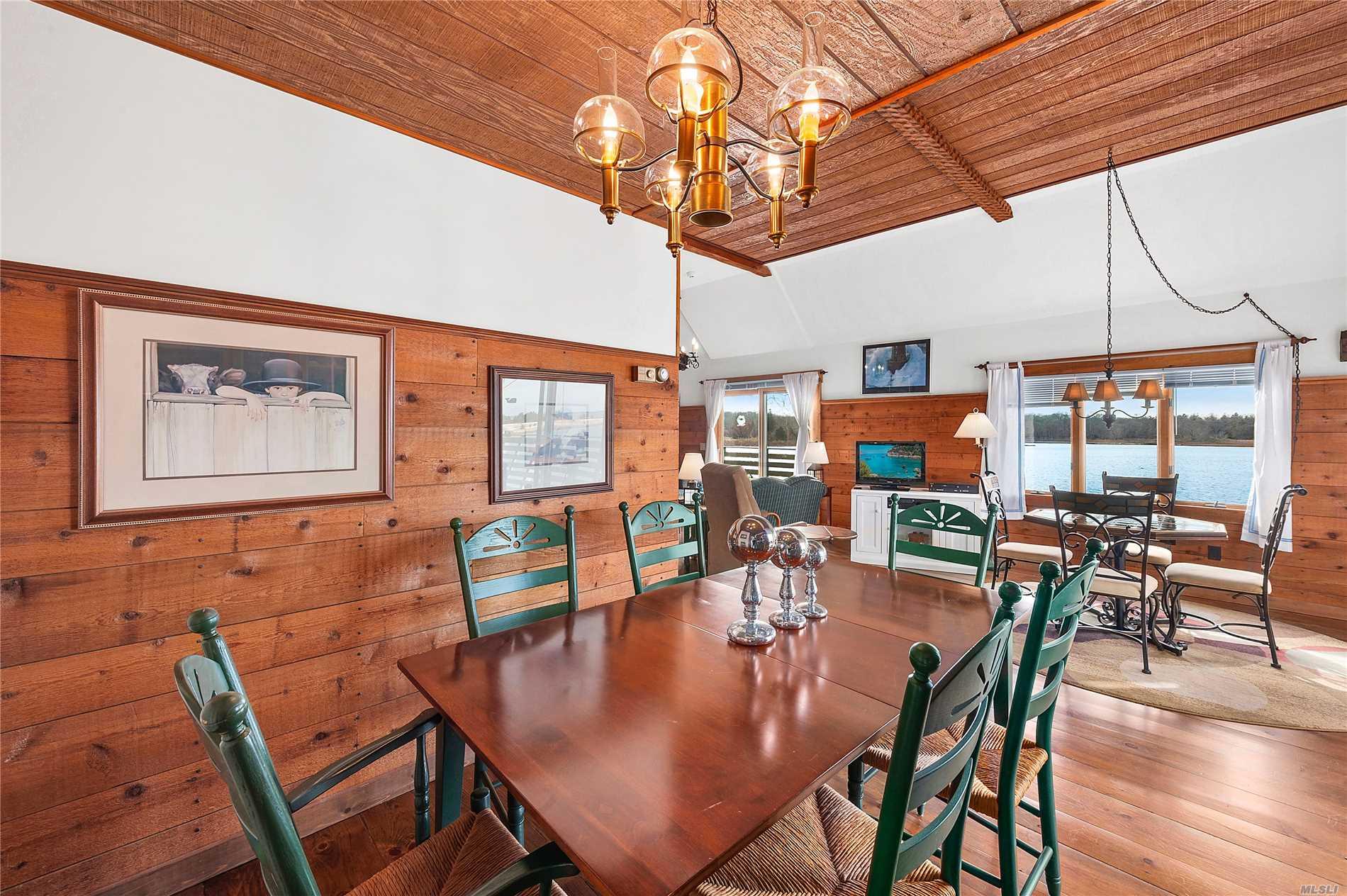 79 Cedar Point Ln Sag Harbor, NY 11963