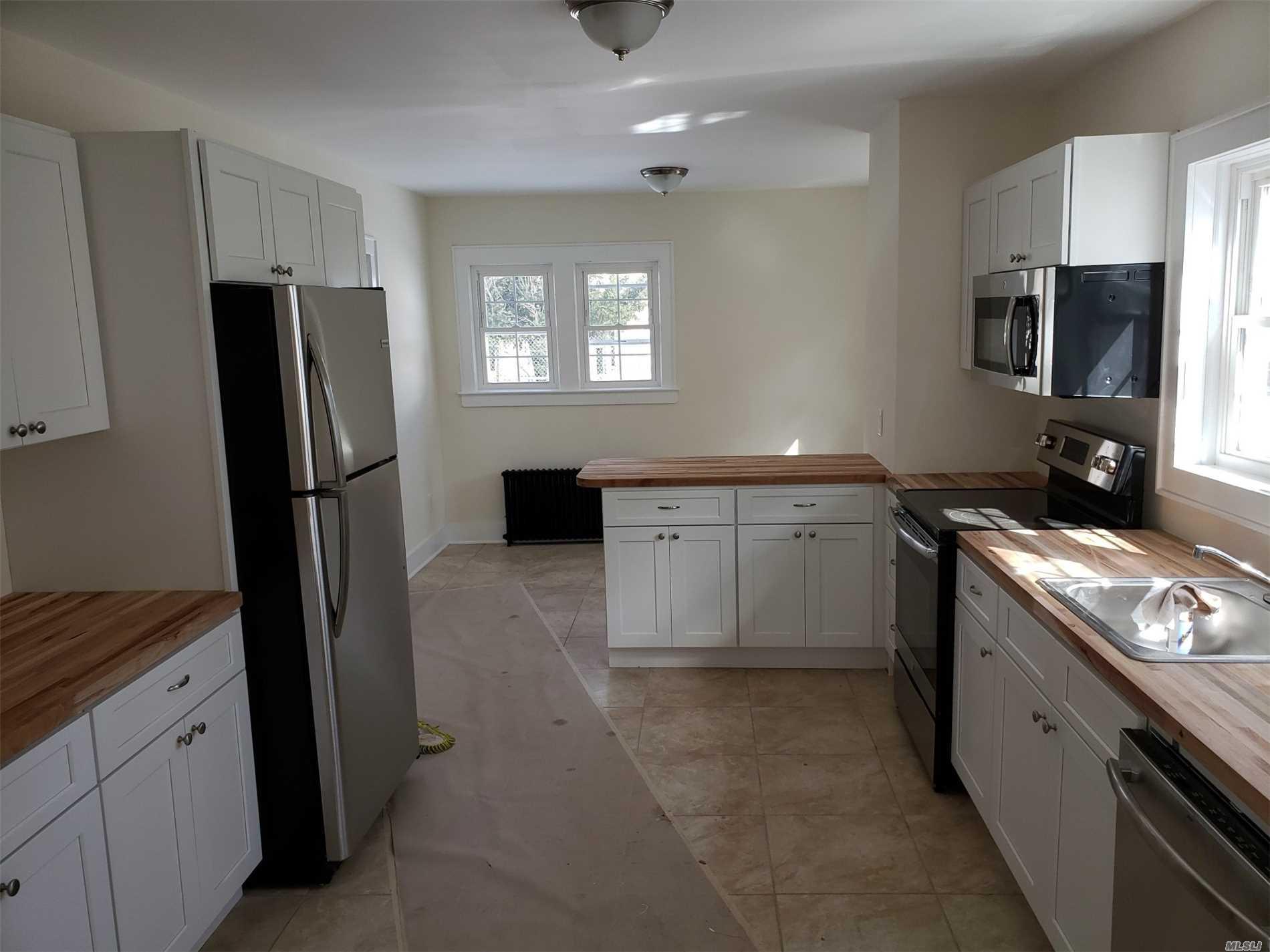 334 Maple Ave Riverhead, NY 11901