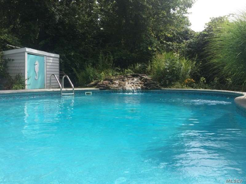 2 Clearview Dr Montauk, NY 11954