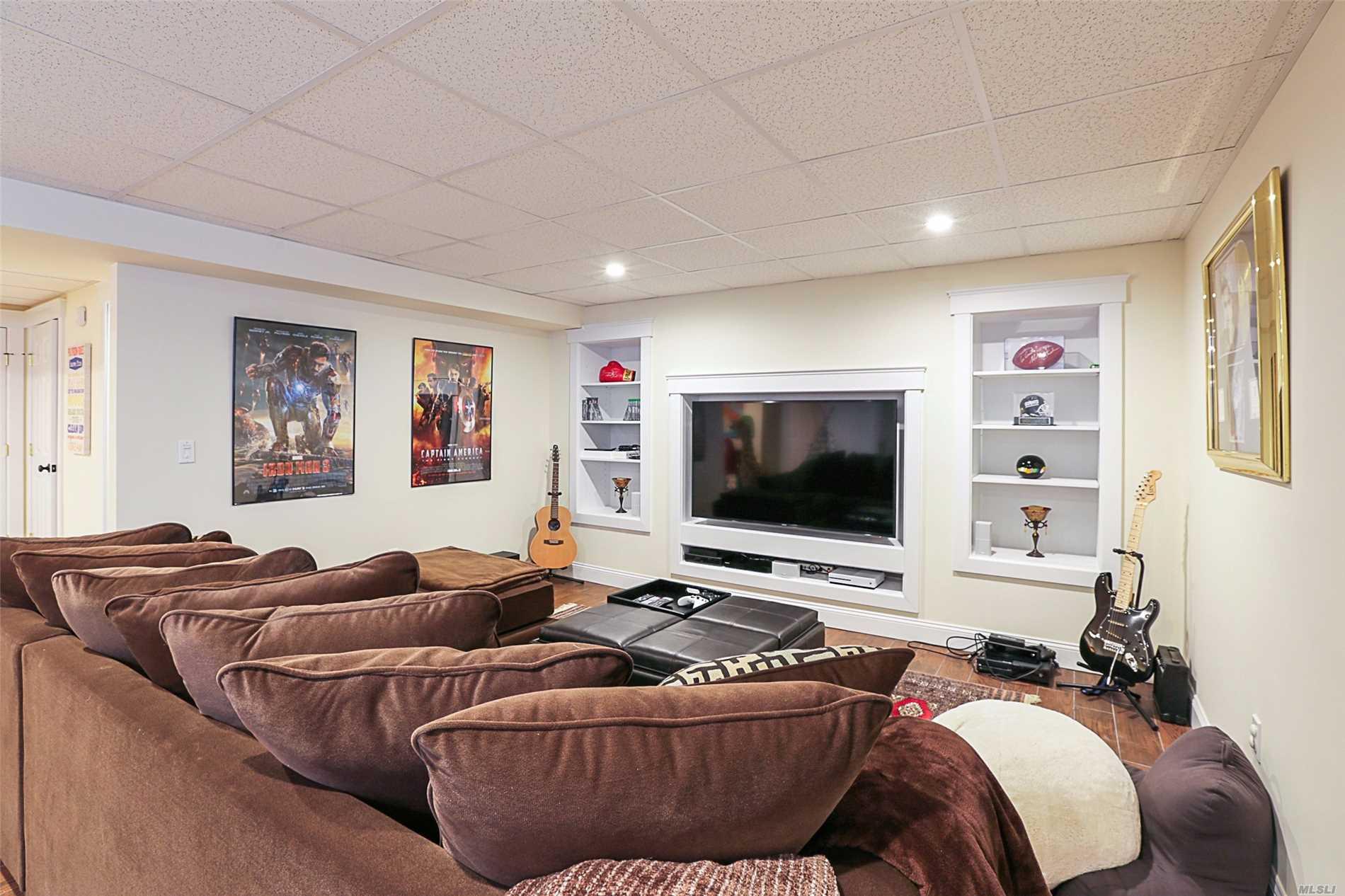 30 longview Rd Southampton, NY 11968