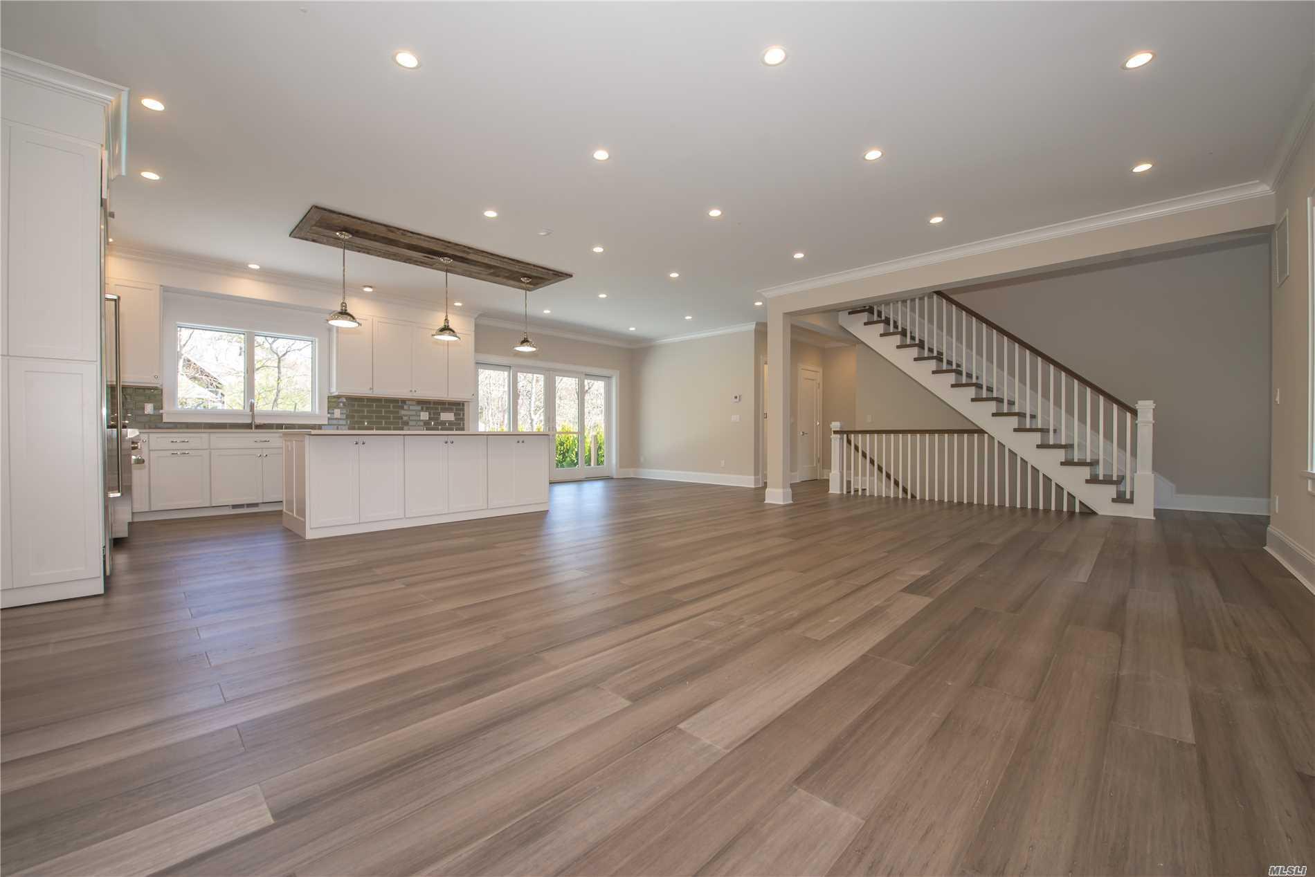 15 Wood Lot Ln East Hampton, NY 11937