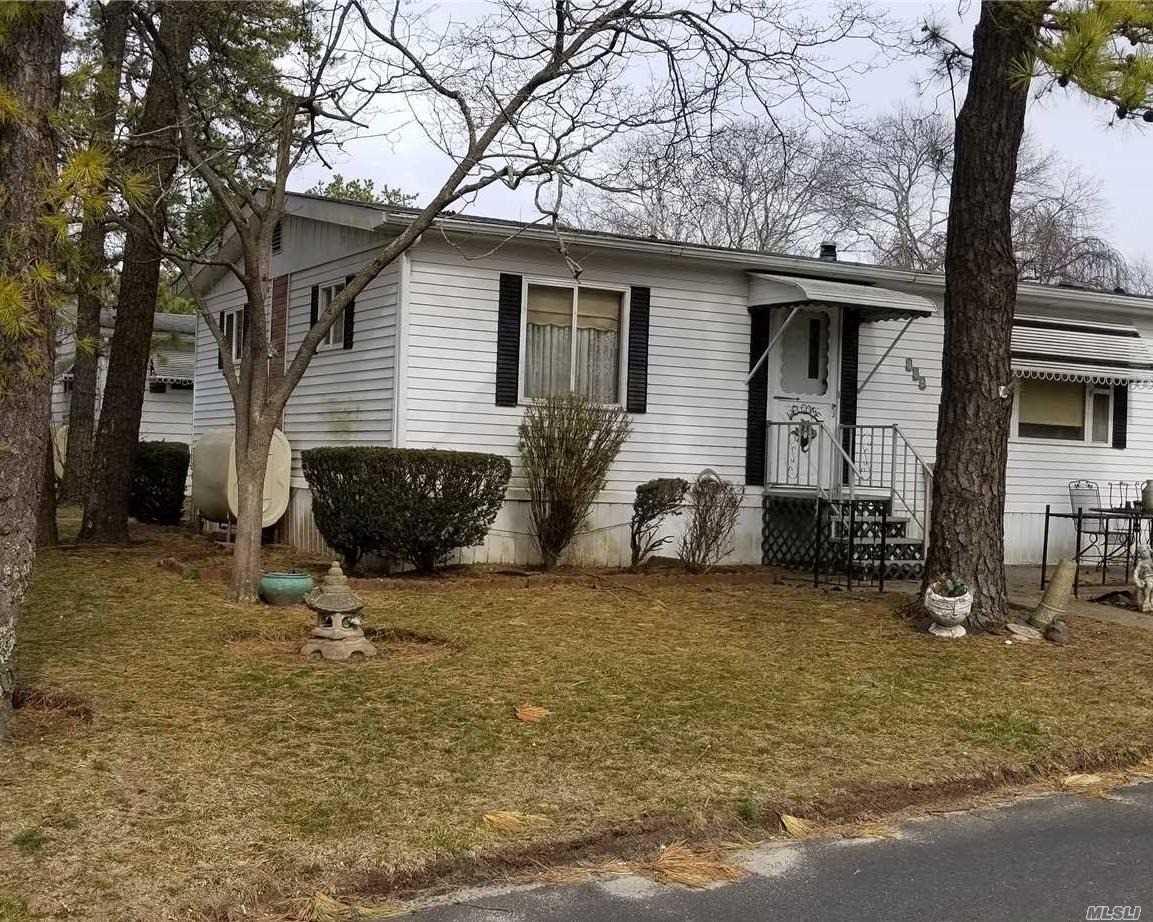 525 Riverleigh Ave Riverhead, NY 11901