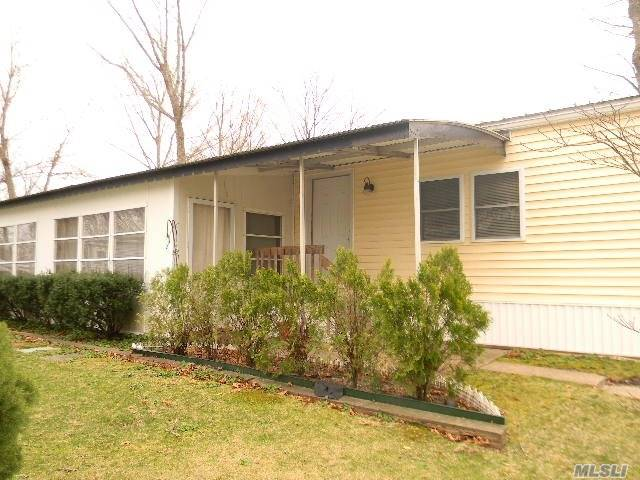 1661 -113 Old Country Rd Riverhead, NY 11901