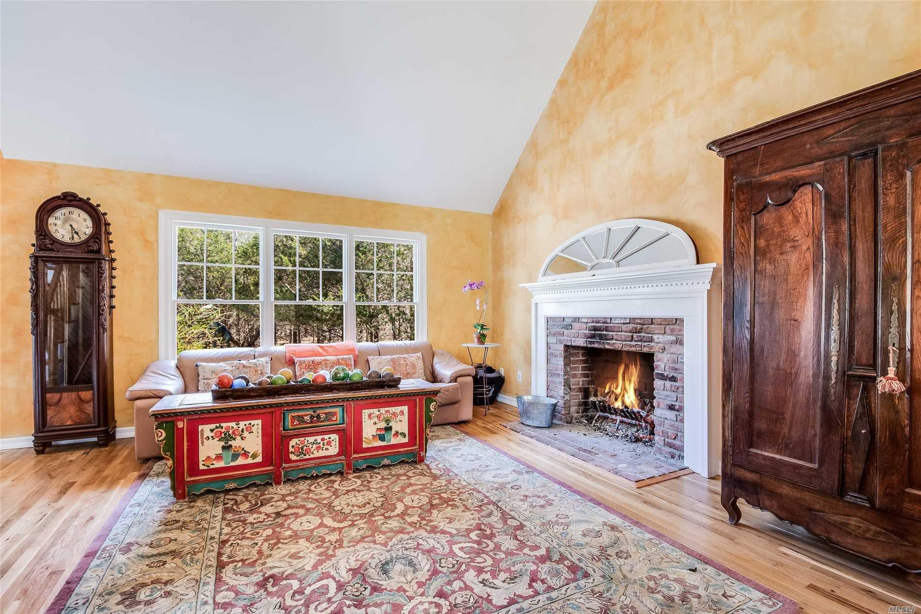 755 Springs Fireplac East Hampton, NY 11937