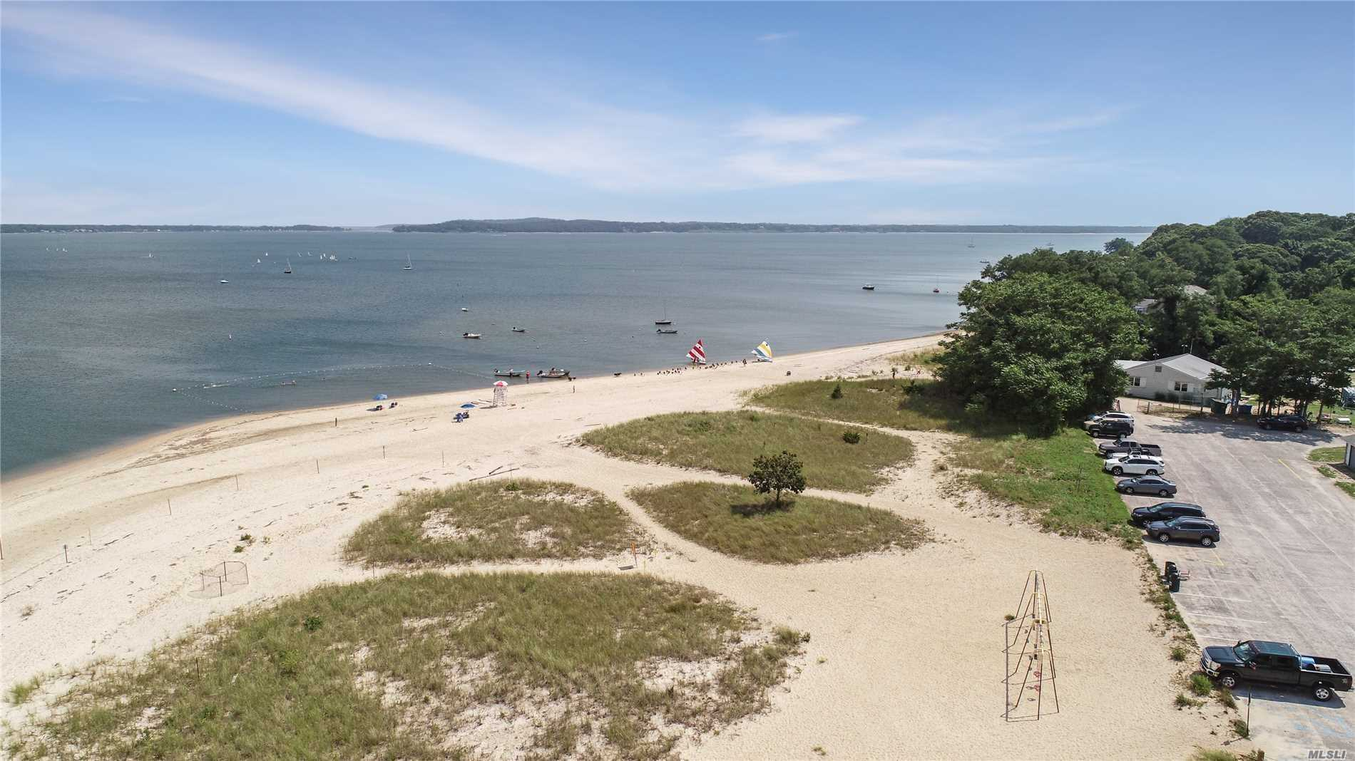 1475 Waterview Dr Southold, NY 11971
