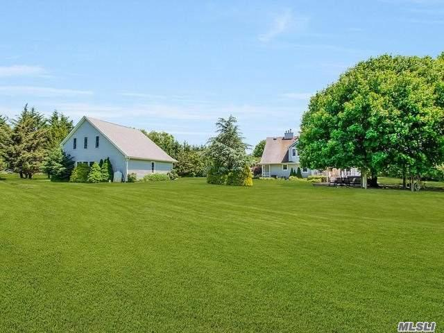 300 Private Rd Cutchogue, NY 11935
