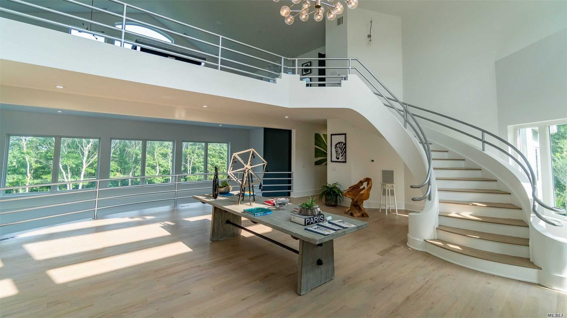 10 Water Mill Hts Water Mill, NY 11976
