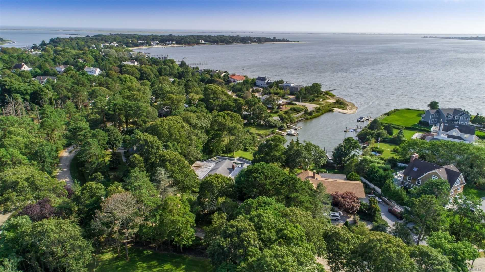 53 Grant Blvd Hampton Bays, NY 11946
