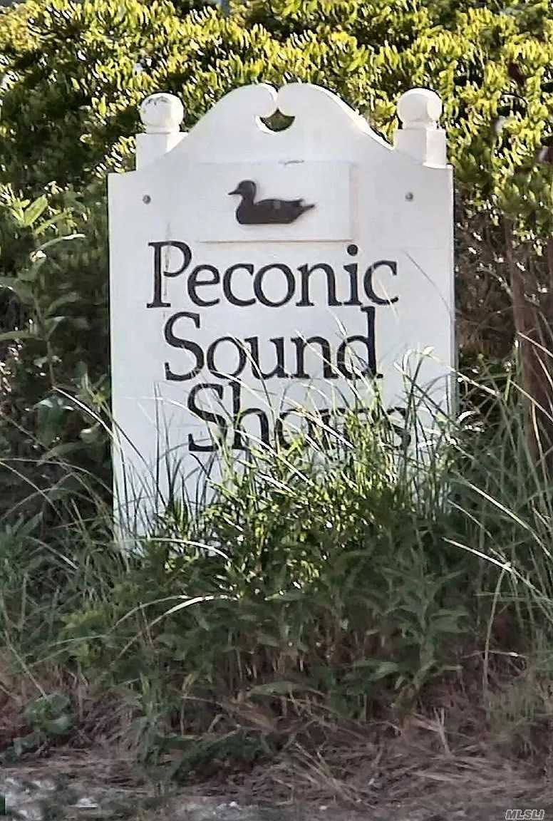 365 Sound Ave Peconic, NY 11958