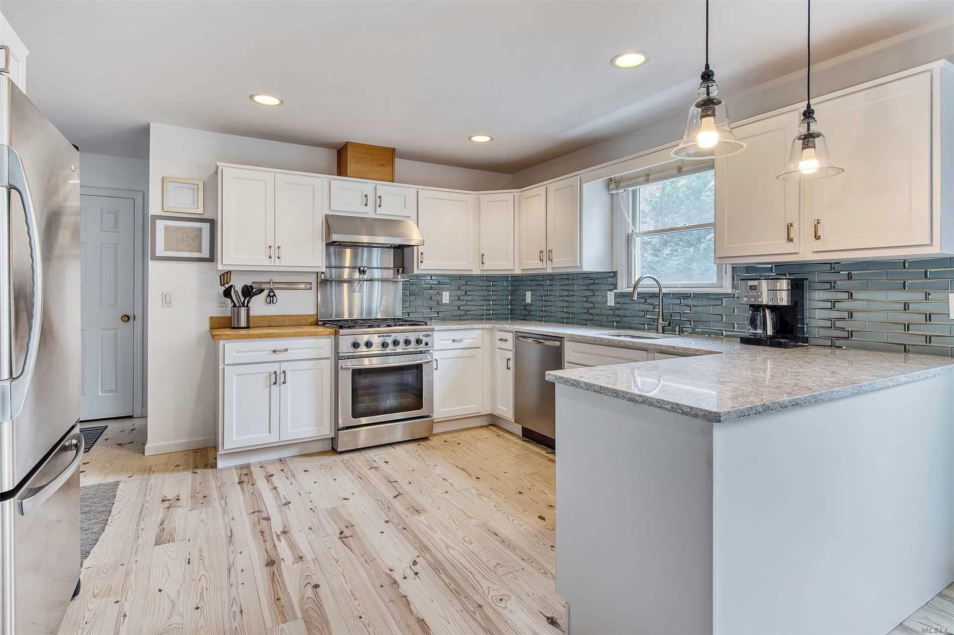 210 Soundview Ave Peconic, NY 11958