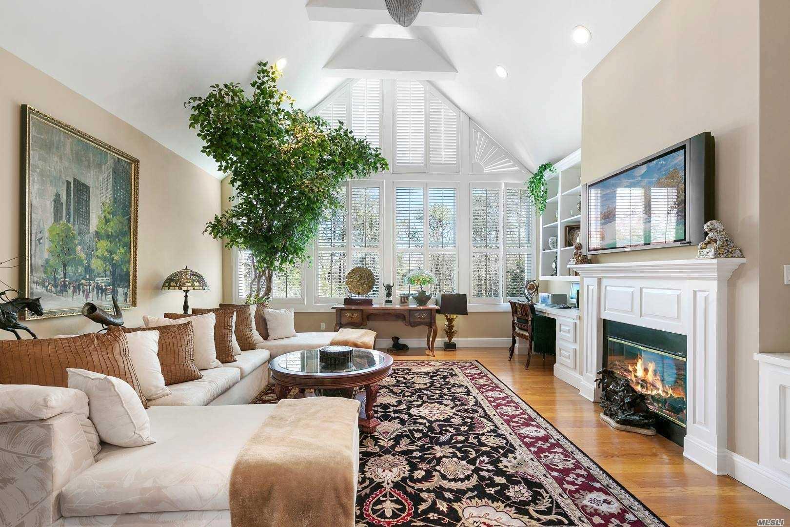 40 Cedar Lane, Remsenburg, NY 11 Southampton, NY 11960