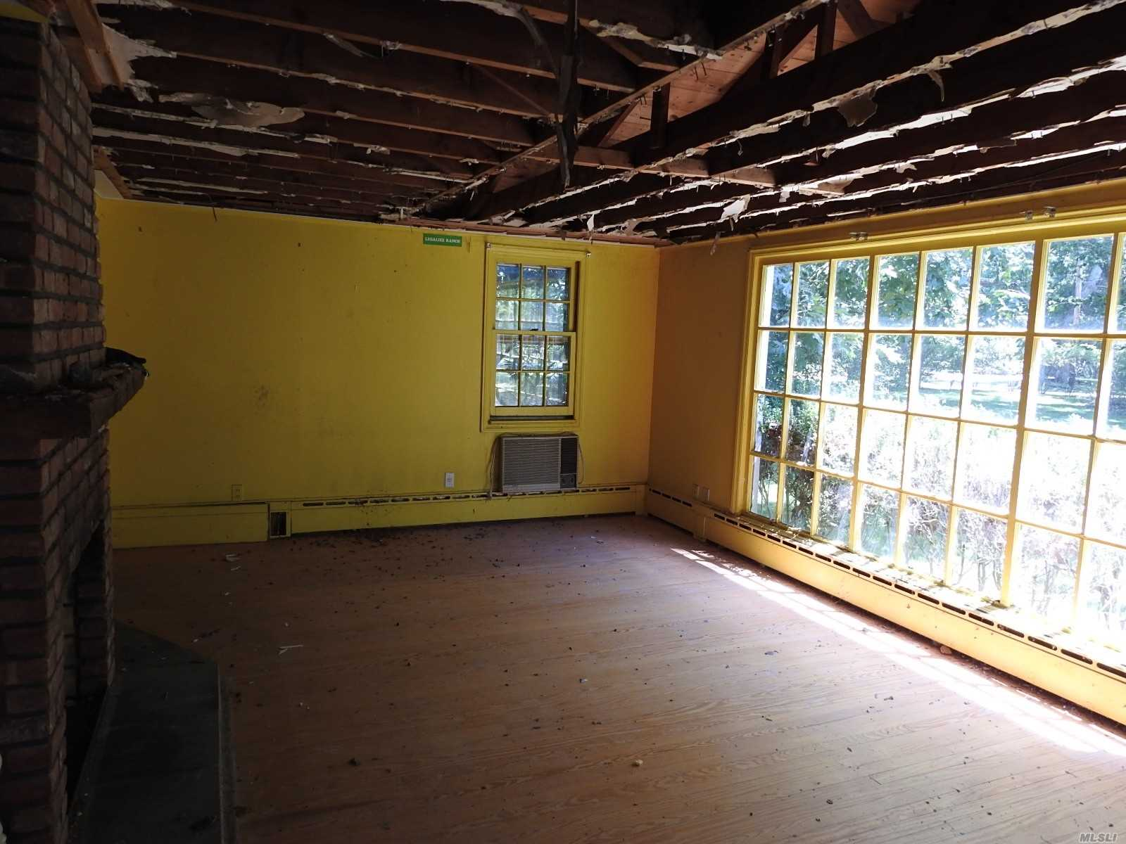 13 Cedar Lane, Remsenburg, NY 11 Southampton, NY 11960