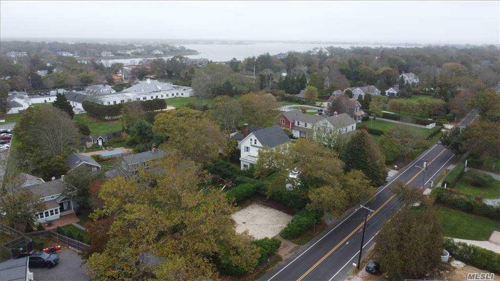 10 Beach Lane, Westhampton Bch,  Southampton, NY 11978