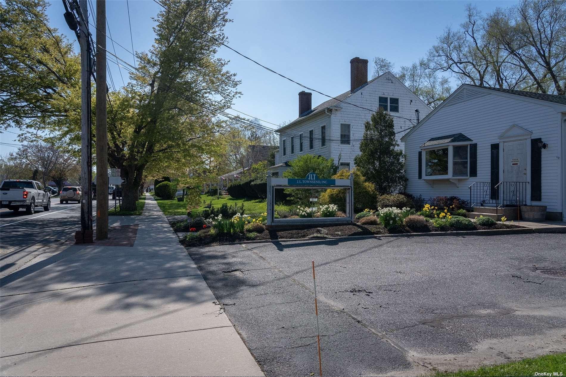 54985 Main Road, Southold, NY 11971