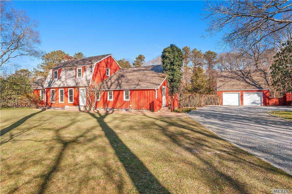 24 Squires Path, East Hampton, N East Hampton, NY 11937