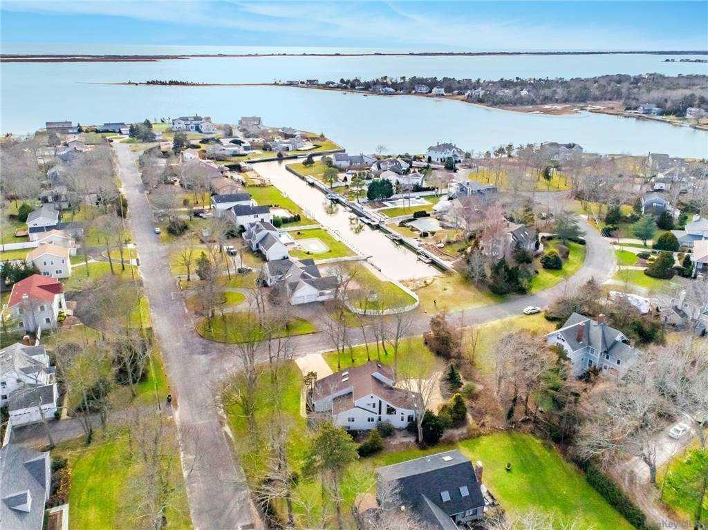 1 Canal Way, Hampton Bays, NY 11 Hampton Bays, NY 11946