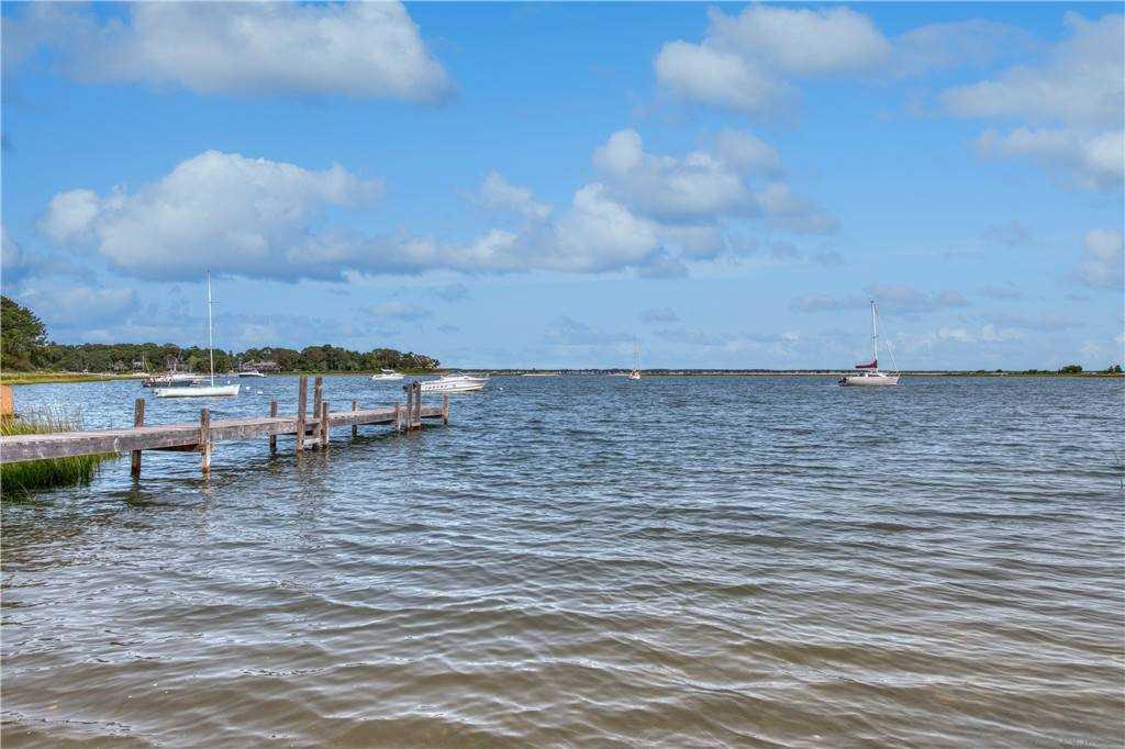 3 Woodview Way, Hampton Bays, NY Hampton Bays, NY 11946