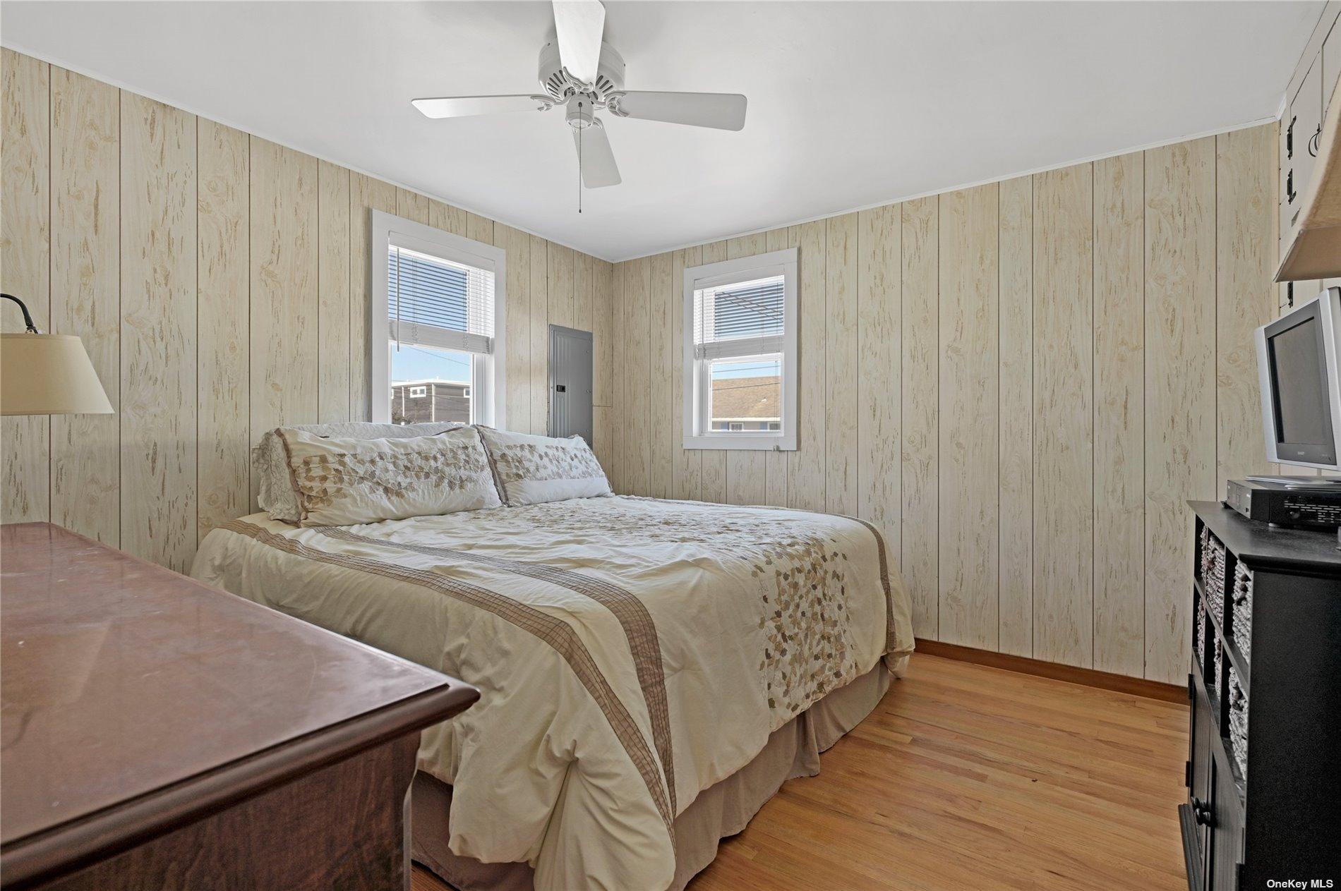 21 Bay Road, Westhampton Bch, NY Westhampton Bch, NY 11978