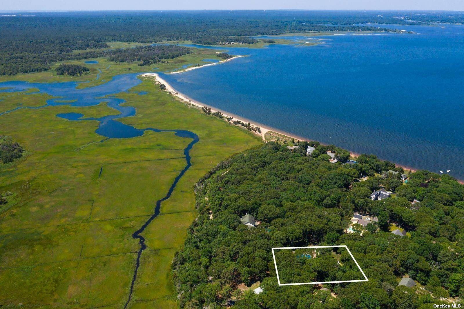 11 Wild Duck Lane, Hampton Bays, Hampton Bays, NY 11946