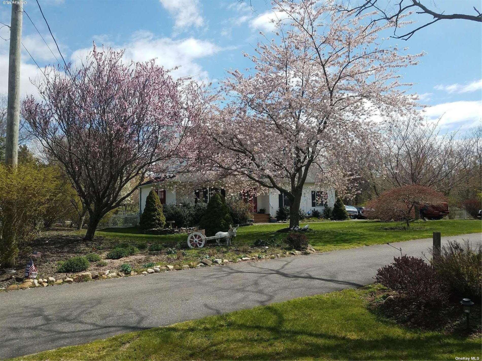 1045 Sunset Drive, Mattituck, NY Southold, NY 11952