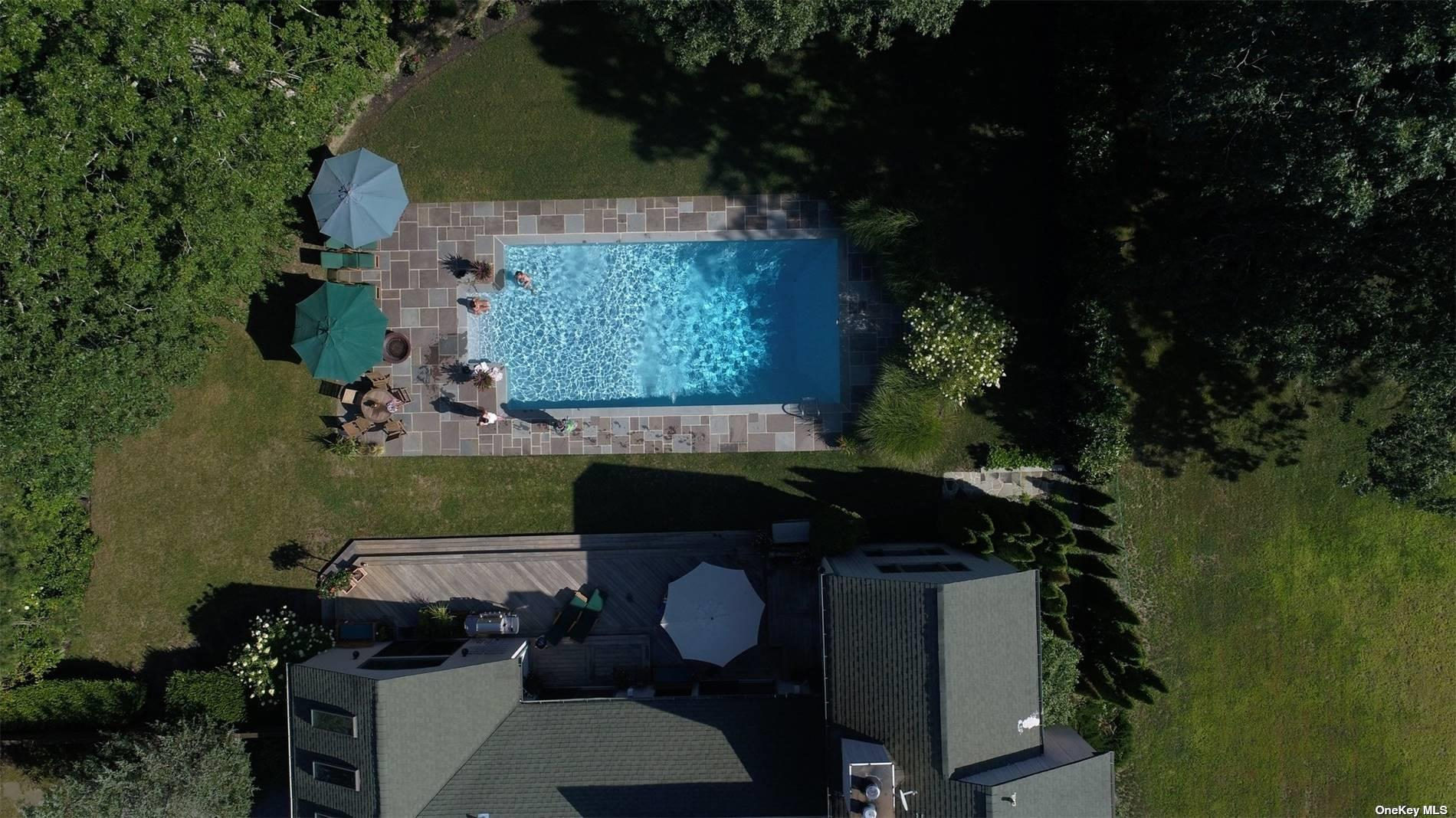 80 Spring Pond Lane, Southampton Southampton, NY 11968