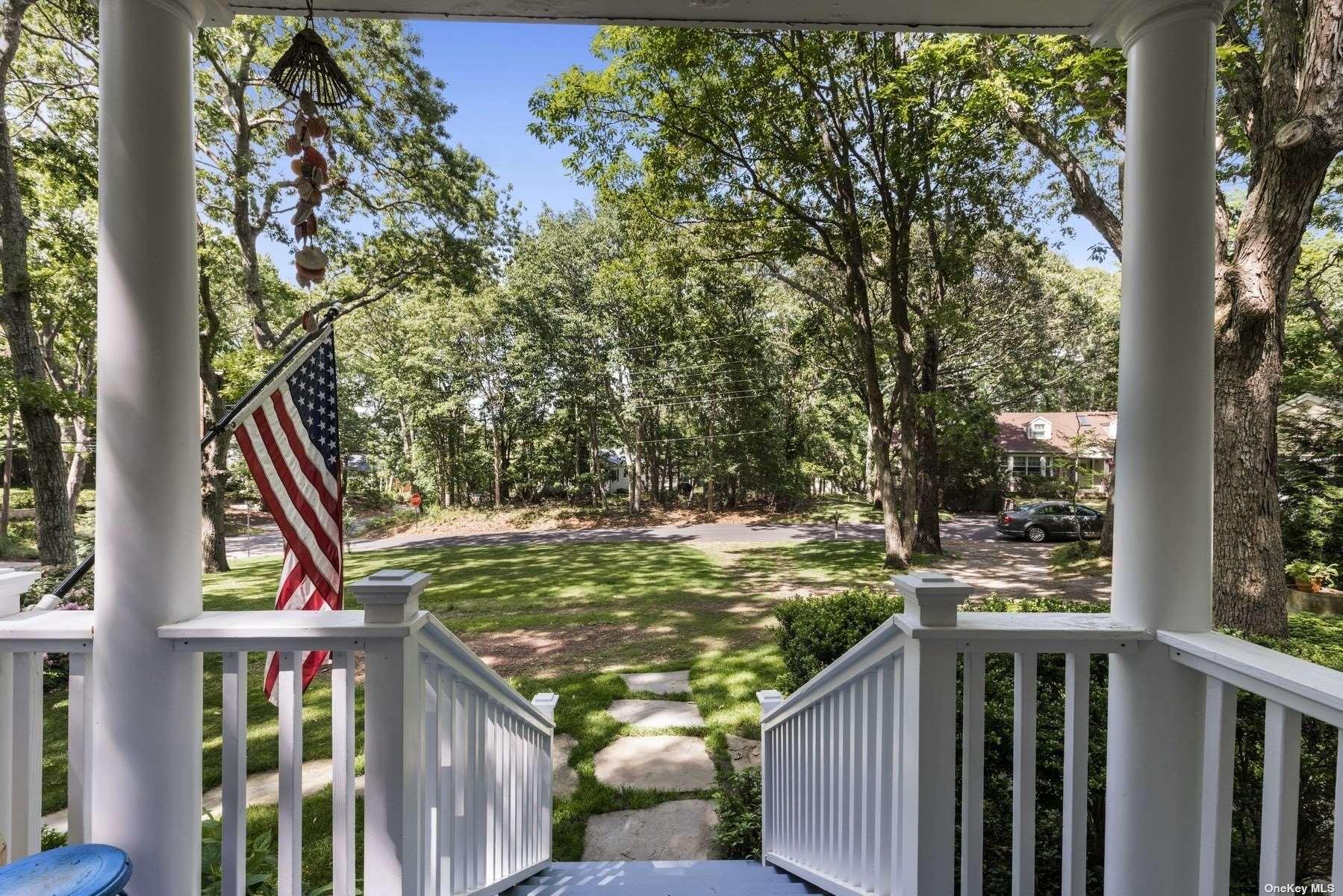 5 Bay View Drive W, Sag Harbor,  Southampton, NY 11963