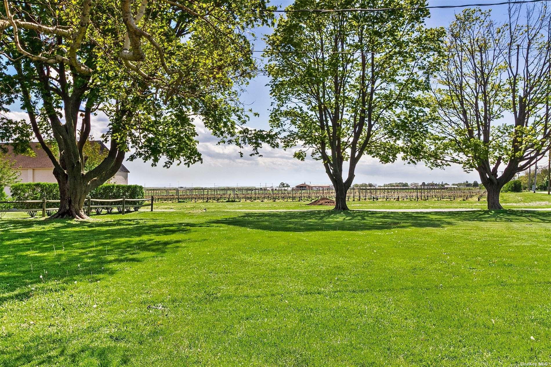 450 Middle # 13, Riverhead, NY 1 Riverhead, NY 11901